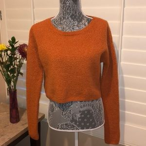 🔶BCBGMAXAZRIA CROP TOP SWEATER🔶